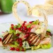 Romantyczna walentynkowa kolacja – przepis na sałatkę dla serca